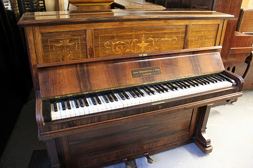 Looking for a cheap or free piano 0845 226 8204 for Smallest piano size