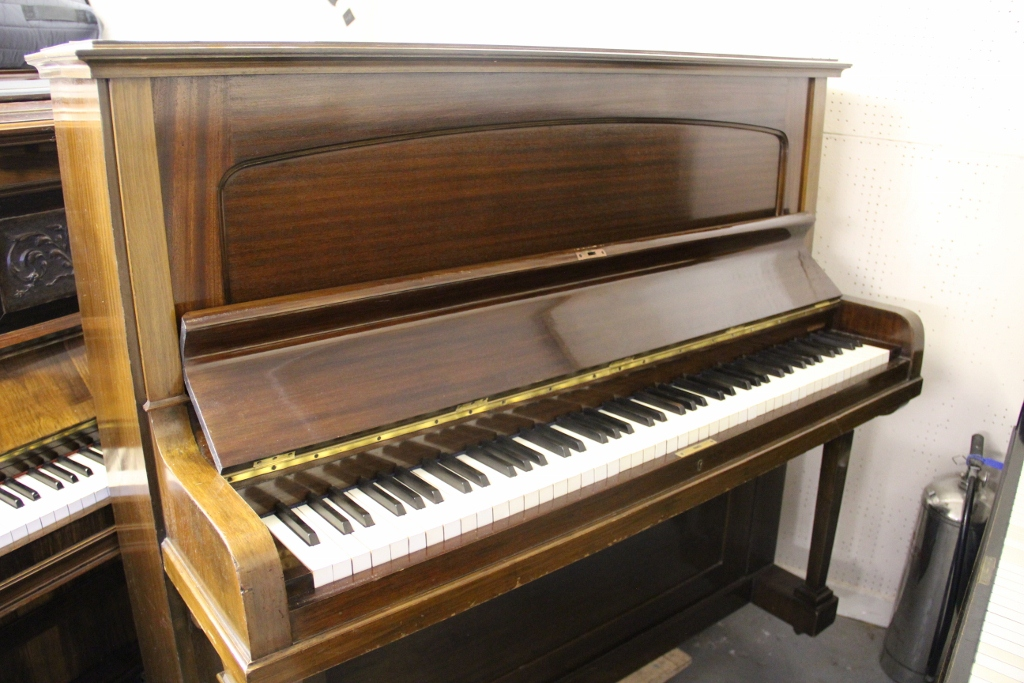 old pianos for sale looking for a cheap or free piano 0845 226 8204. Black Bedroom Furniture Sets. Home Design Ideas